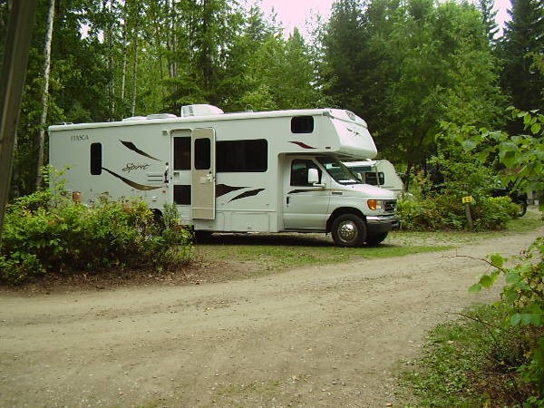 salmon-arm-camping-resort-rv-sites